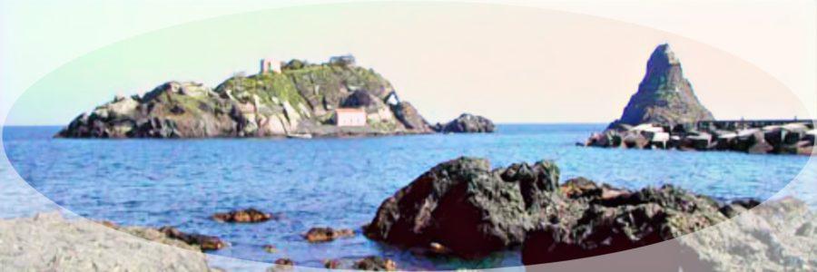 Isola Lachea e Faraglioni dei Ciclopi - Sicilia da giocare