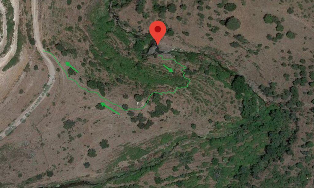 Sentiero per la cascata dell'Oxena